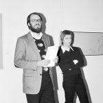 """Birgit Hein und Wulf Herzogenrath in der Ausstellung """"Film als Film"""", 1977 Foto: Kölnischer Kunstverein/Rainer Hoeft"""